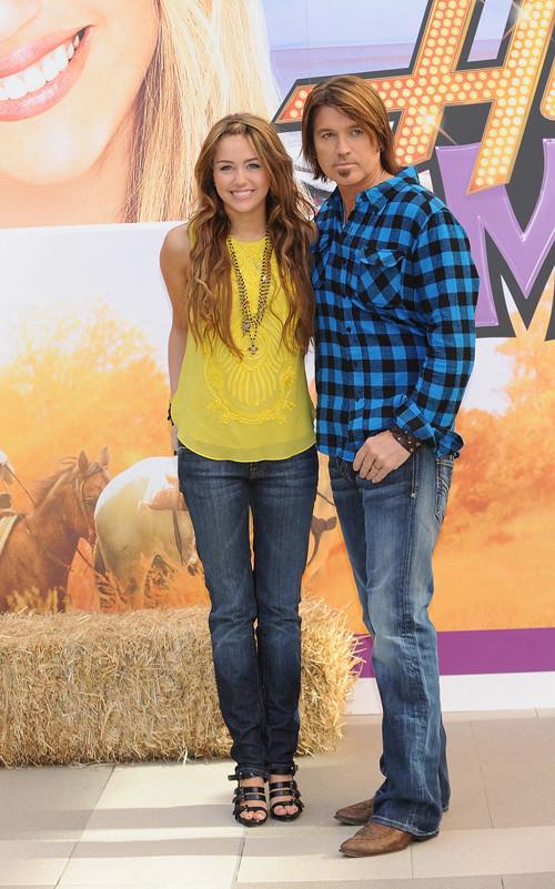Foto de Miley Cyrus presenta la película de 'Hannah Montana' en Madrid (22/24)