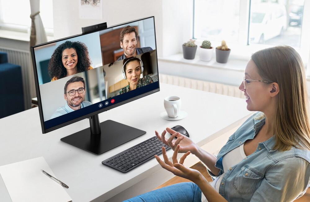 El nuevo monitor de Samsung tiene una webcam pop-up integrada y está totalmente enfocado al teletrabajo