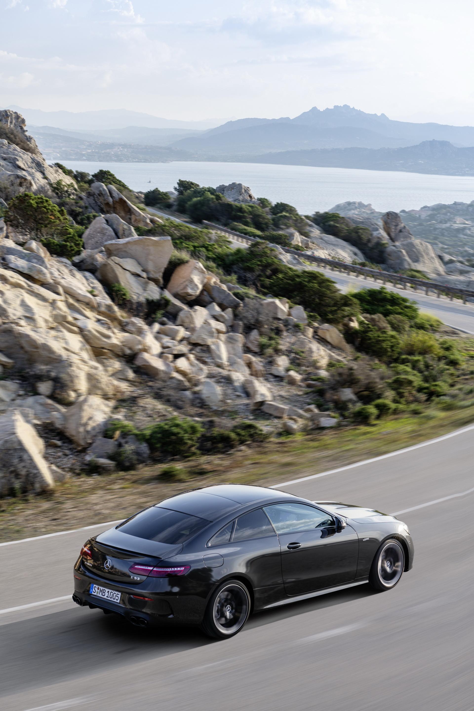 Foto de Mercedes-AMG E 53 Coupé 2021 (20/35)