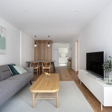 Un piso en Vigo de aires nórdicos que luce como nuevo después de una reforma integral
