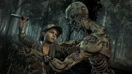 El pequeño AJ juega con un arma en los primeros 15 minutos de The Walking Dead: The Final Season