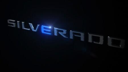 Chevrolet Cheyenne EV ya tiene fecha de presentación y revela nuevo teaser