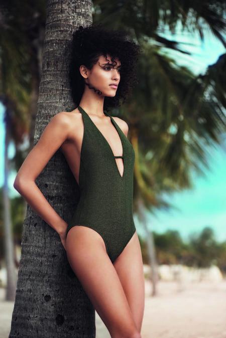 Arrancamos la temporada de moda de baño con los bikinis y bañadores de Etam