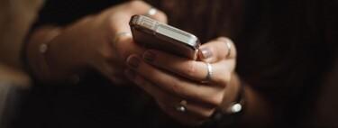 La delgada línea roja de las órdenes de alejamiento en redes sociales: hasta qué punto un 'me gusta' o cambiar el estado de WhatsApp puede ser acoso