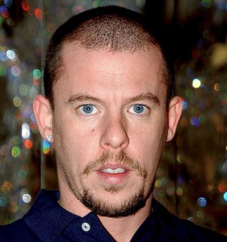 Ya está aquí el primer tráiler de «McQueen», el documental sobre el genial diseñador que se presenta estos días en Tribeca