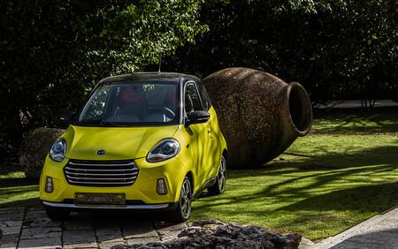 Invicta Electric D2S: un pequeño coche eléctrico barato que quiere plantar cara al Dacia Spring y al SEAT Mii