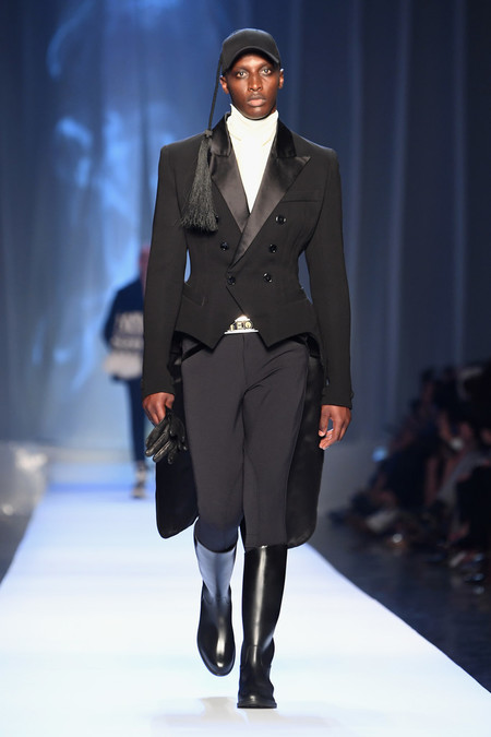 Jean Paul Gaultier Runway Paris Fashion Week D9hzjbdwwg0x