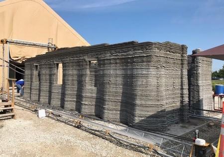 """La llamada """"impresora 3D más grande del mundo"""" construyó en 40 horas el primer cuartel de este tipo para el ejército de los EEUU"""