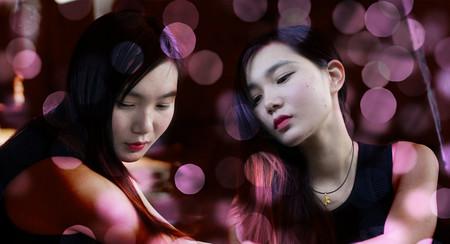Selfies con tu gemelo ficticio y el modo panorama: la última moda en selfies que puedes replicar fácilmente