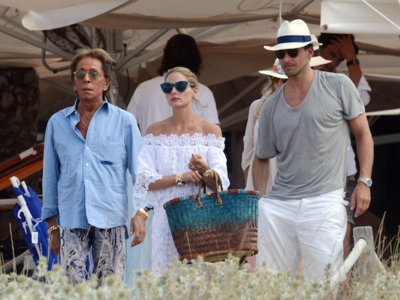 La bella Formentera se paraliza por un instante, llega Olivia Palermo (radiante) con su querido Valentino