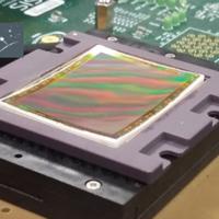 Ya existen patentes de objetivos diseñados para funcionar en sensores curvos