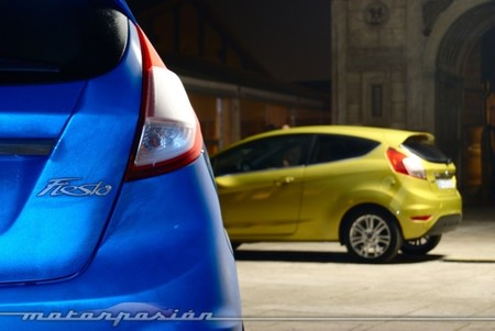 Ford Fiesta 2013 azul