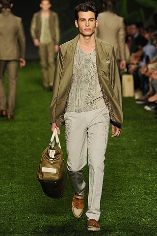 Foto de Etro, Primavera-Verano 2011 en la Semana de la Moda de Milán (6/10)