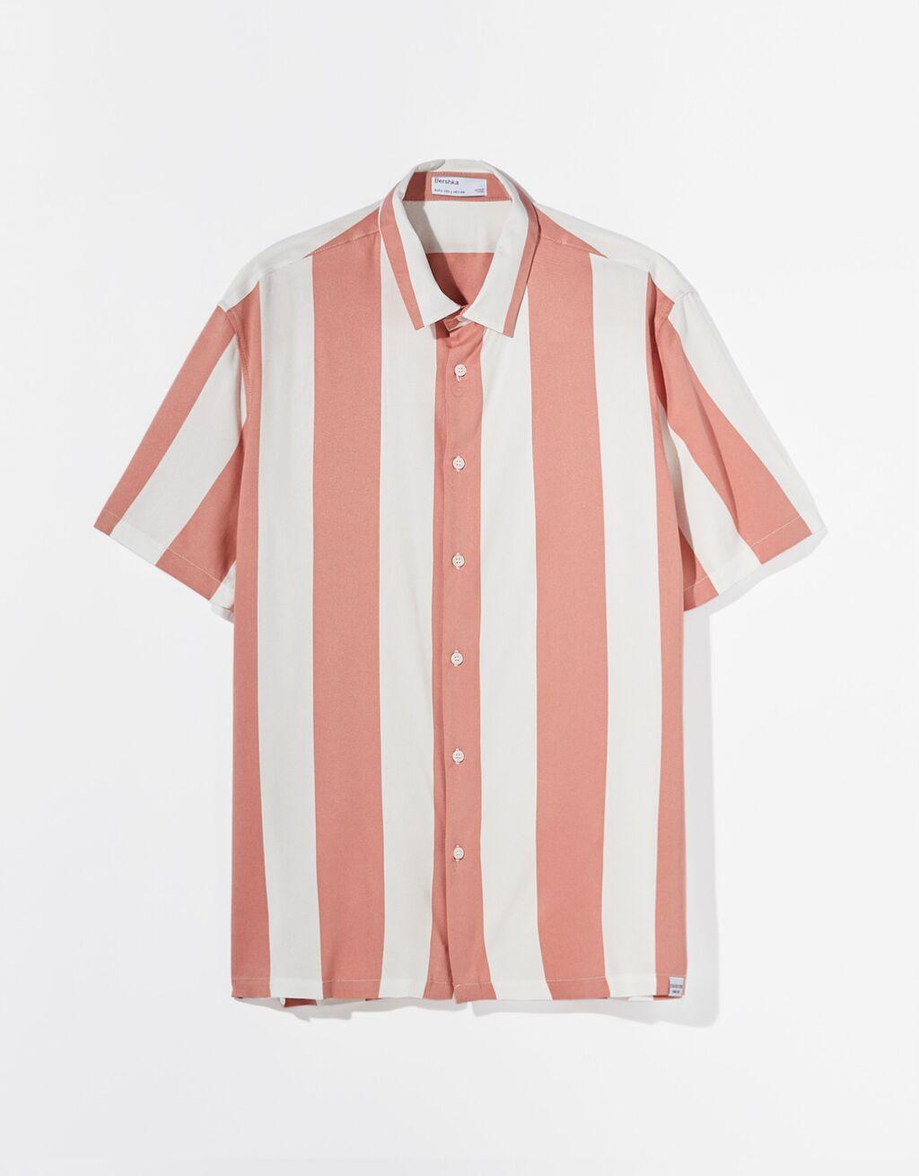 Camisa en manga corta a rayas