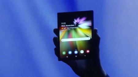 Samsung ya tiene fecha de presentación para su dispositivo flexible: será en febrero en un evento dual, según el WSJ