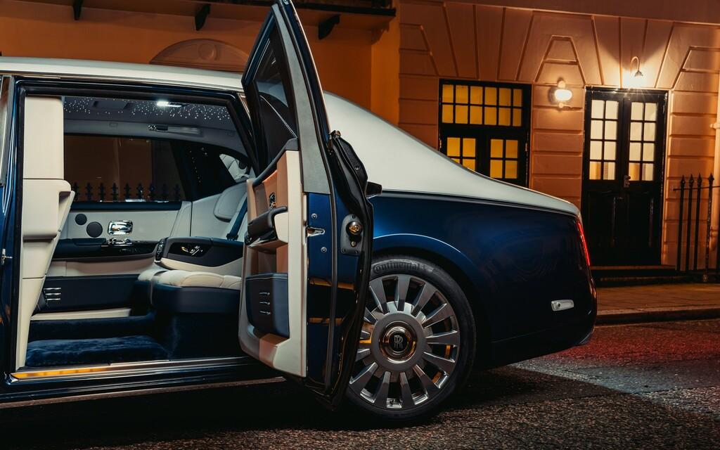 Rolls-Royce introduce 'Privacy Suite', un habitáculo que representa el epítome del exceso y la privacidad