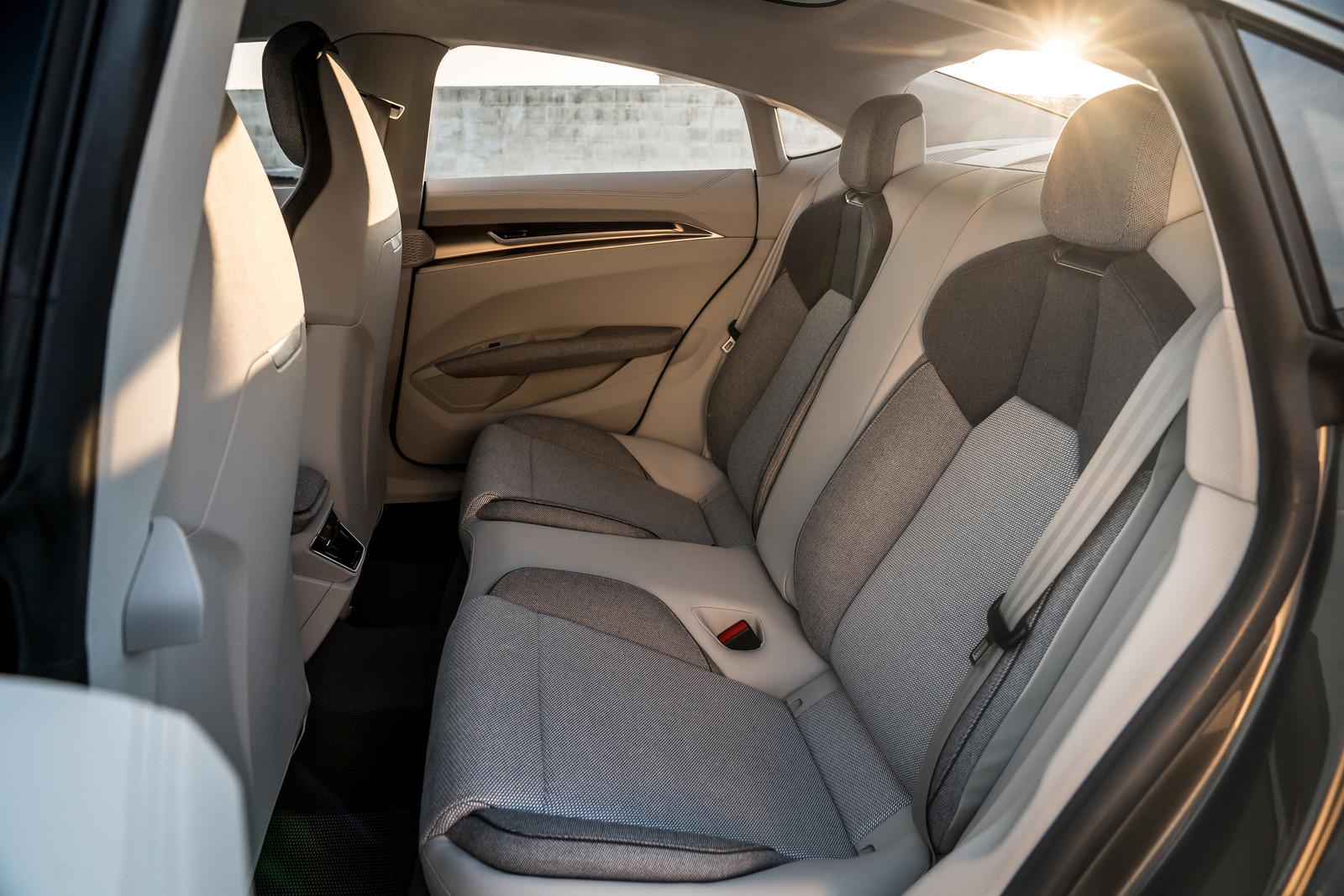 Foto de Audi e-tron GT concept 2018 (52/55)