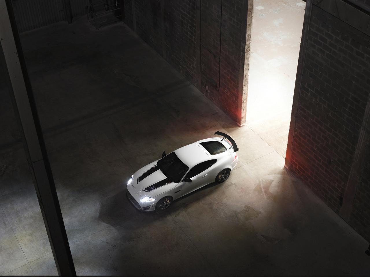 Foto de Jaguar XKR-S GT (7/20)