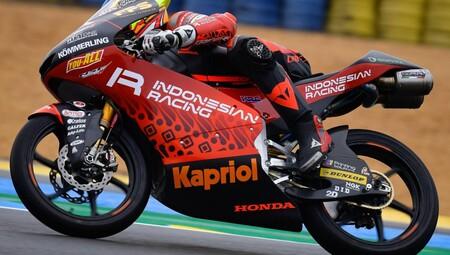 Gabriel Rodrigo aprovecha una tregua de la lluvia para liderar en Moto3 y Pedro Acosta irá a la Q1 tras dos caídas