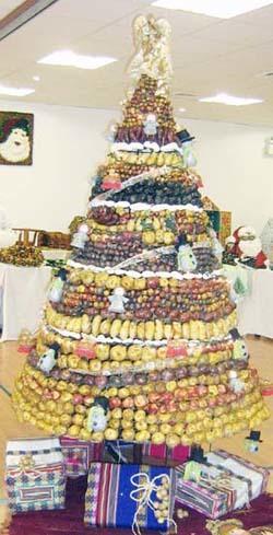 Árbol de Navidad hecho con patatas