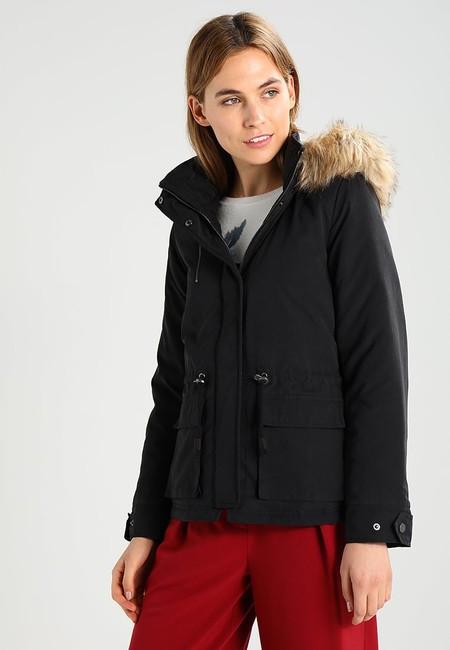 Casi regalado: el abrigo corto de Only  Onlstarlight cuesta sólo 14,95 euros en Zalando con envío gratis