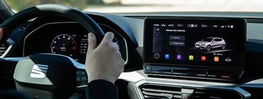 Al volante del SEAT León 2021 sin salir de casa: ya puedes 'subirte' desde tu teléfono por realidad virtual
