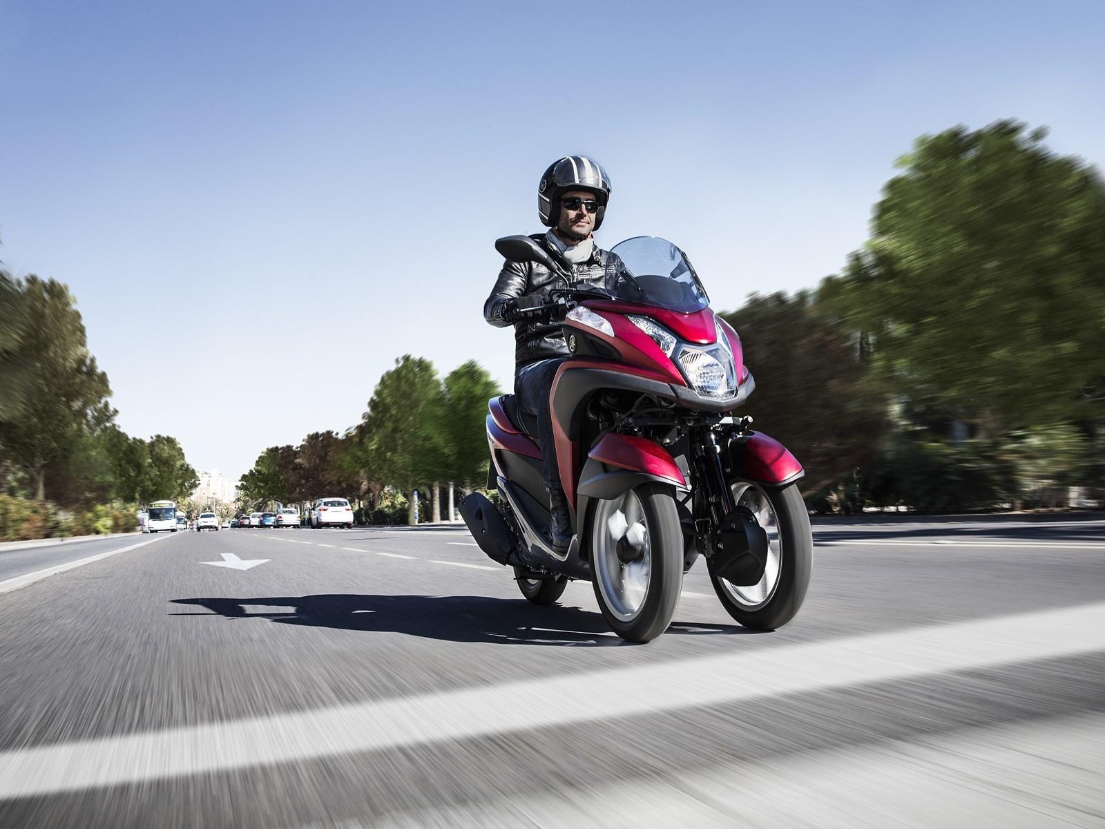 Foto de Yamaha Tricity 125 cc acción (8/21)