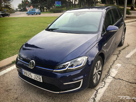 Volkswagen e-Golf frontal
