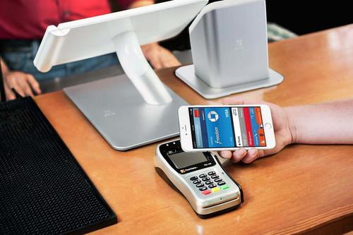 BBVA se suma a Apple Pay, los clientes podrán pagar con el iPhone y el Apple Watch