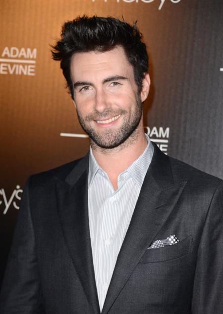 Adam Levine lo tiene todo, ¡hasta estilo!