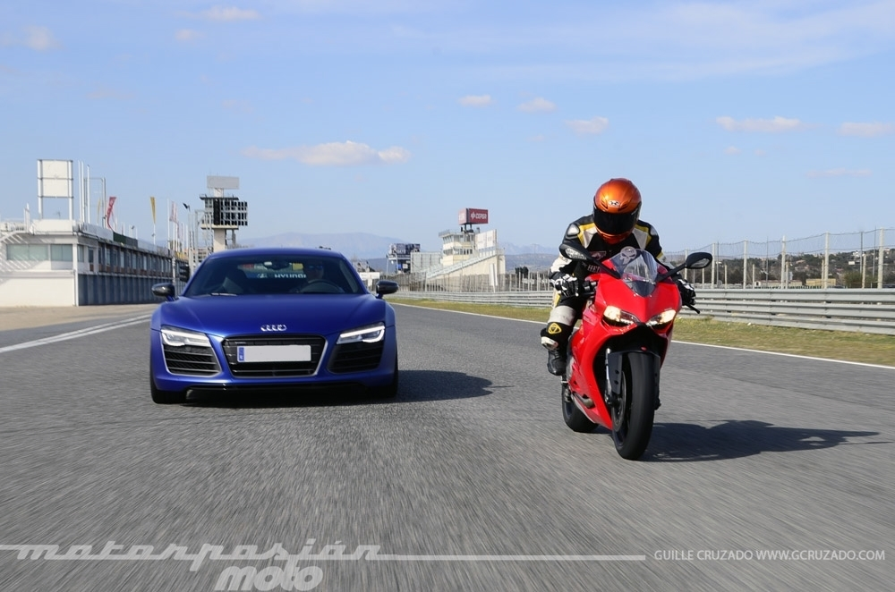 Foto de Ducati 899 Panigale Vs Audi R8 V10 Plus (15/24)