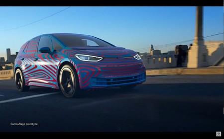 El Volkswagen ID.3 se deja ver con camuflaje: así luce este coche eléctrico, a punto de abrir prerreservas