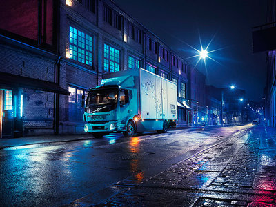 Los camiones eléctricos de Daimler ya tienen un rival: el Volvo FL Electric y sus 300 km de autonomía