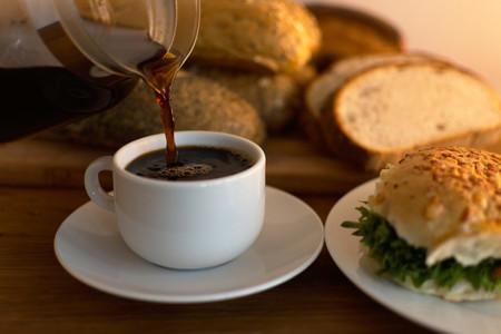 El café sabe mejor si es Cazando Gangas