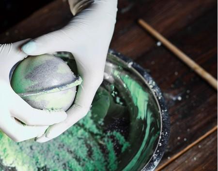 Hazlo tú mismo: cómo crear bombas de colores para el baño paso a paso