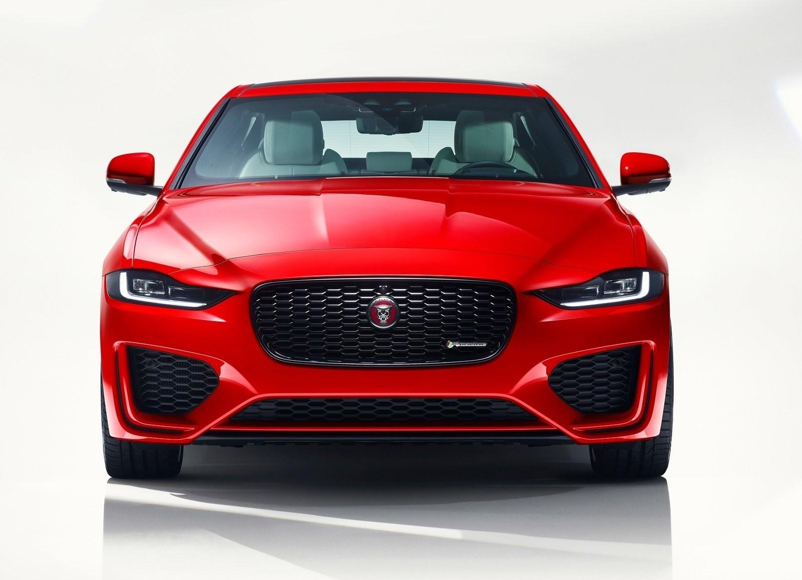 Foto de Jaguar XE 2020 (11/16)