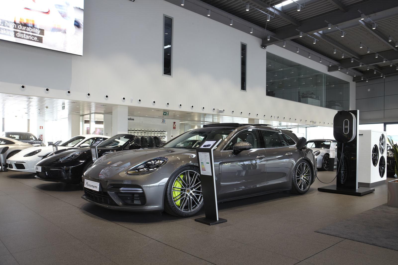 Foto de Centro de Experiencias Porsche Madrid Norte (3/16)