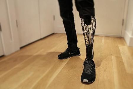 Esta prótesis de pierna impresa en 3D, tiene las 3B