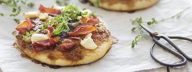 Minipizzas de jamón serrano y mermelada de higos. Receta