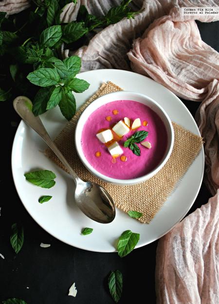 Receta de ajoblanco de remolacha, una sorprendente sopa fría lista en 15 minutos