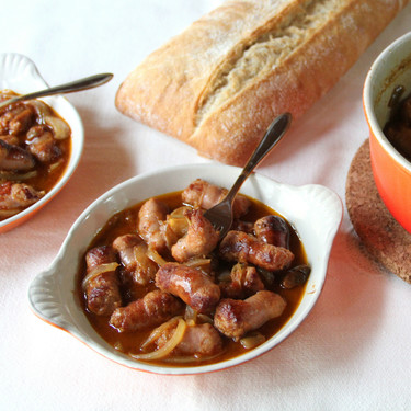 Longanizas guisadas con pisto, receta ideal para la cena