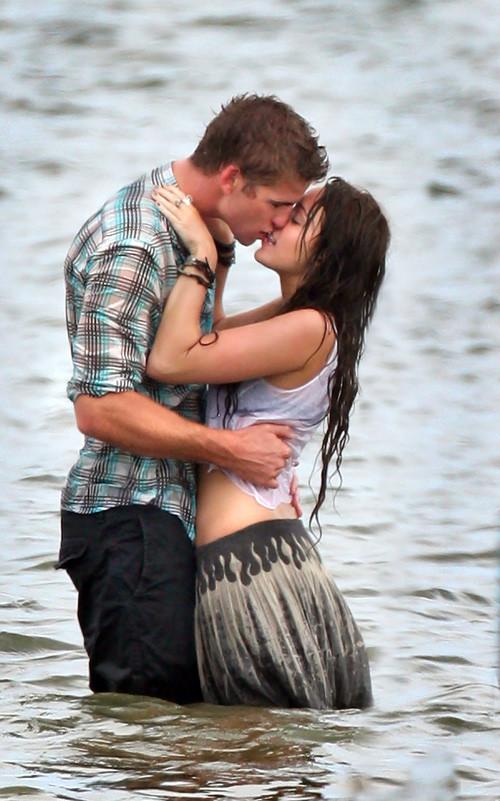 """Foto de Miley Cyrus, besos en """"The Last Song"""" (1/6)"""