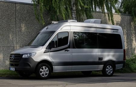 Hymer hace de la Mercedes-Benz Sprinter una furgoneta camper con dos metros de cocina y autonomía para nueve días