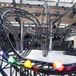Las propuestas para el verano del 2017 de Kris Van Assche presentadas en la recreación de un parque de atracciones