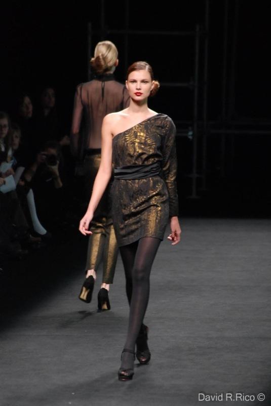 Foto de 080 Barcelona Fashion 2011: segunda jornada con las propuestas para el Otoño-Invierno 2011/2012 (2/99)