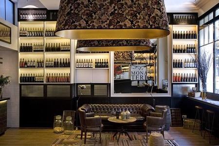 Praktik Vinoteca, un hotel en Barcelona con sabor a vino y una decoración exquisita