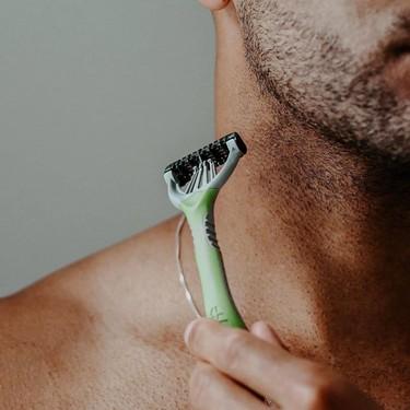 La cuchilla de afeitar más ecológica de Wilkinson llega hecha al 95% de materiales reciclados