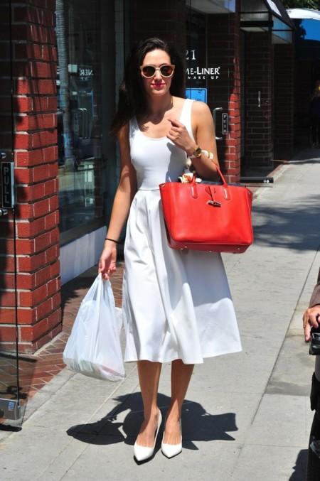 emmy rossum vestido blanco