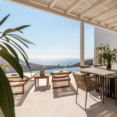 Revestimiento de cemento; la solución cómoda (sin escombros) para renovar balcones, patios, jardines y terrazas