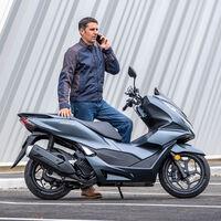 El Honda PCX125 con Control de Par Seleccionable de serie ya está a la venta por 3.150 euros